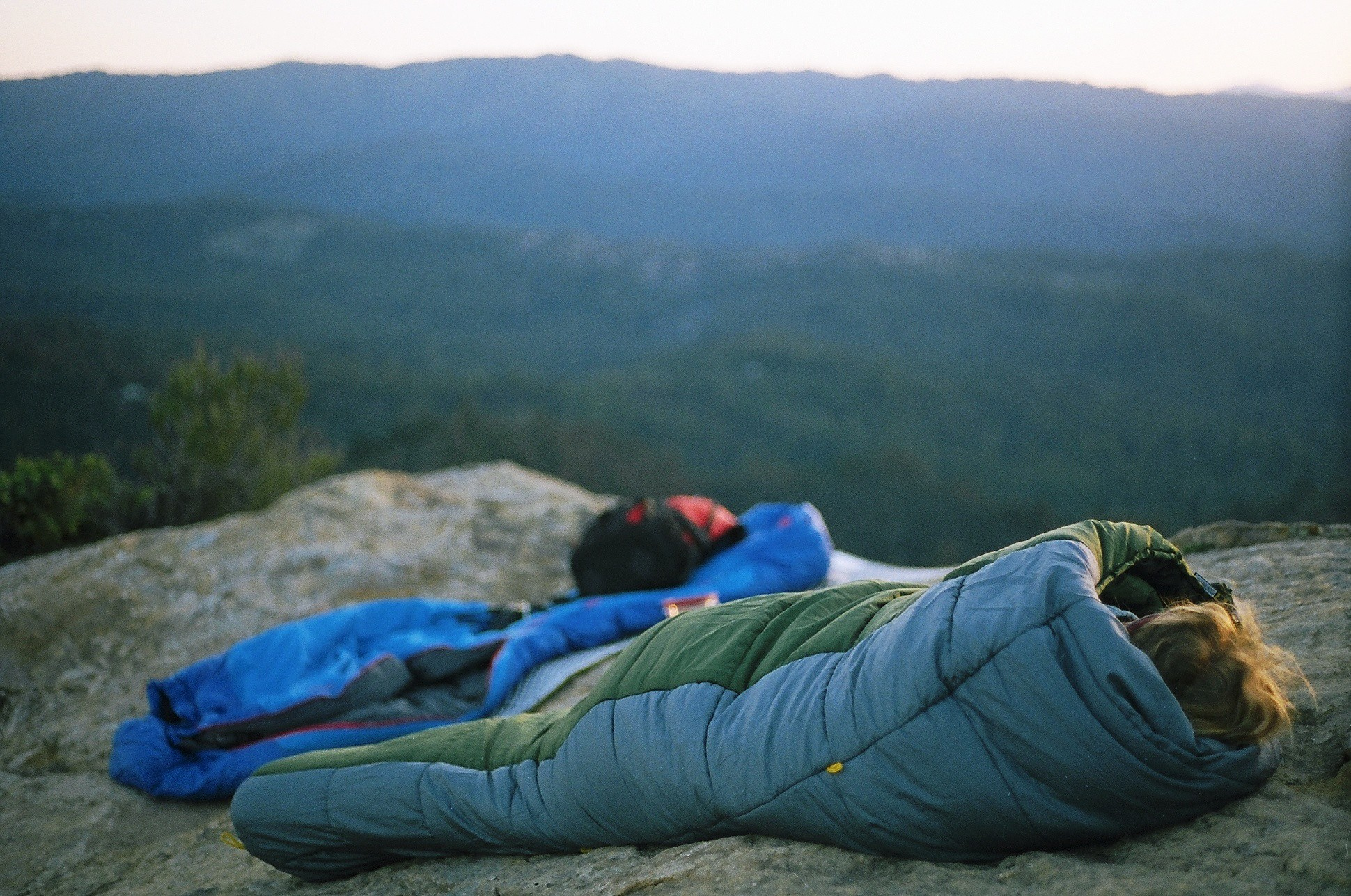 Best Backpacking Sleeping Bag Under 100 Dollars