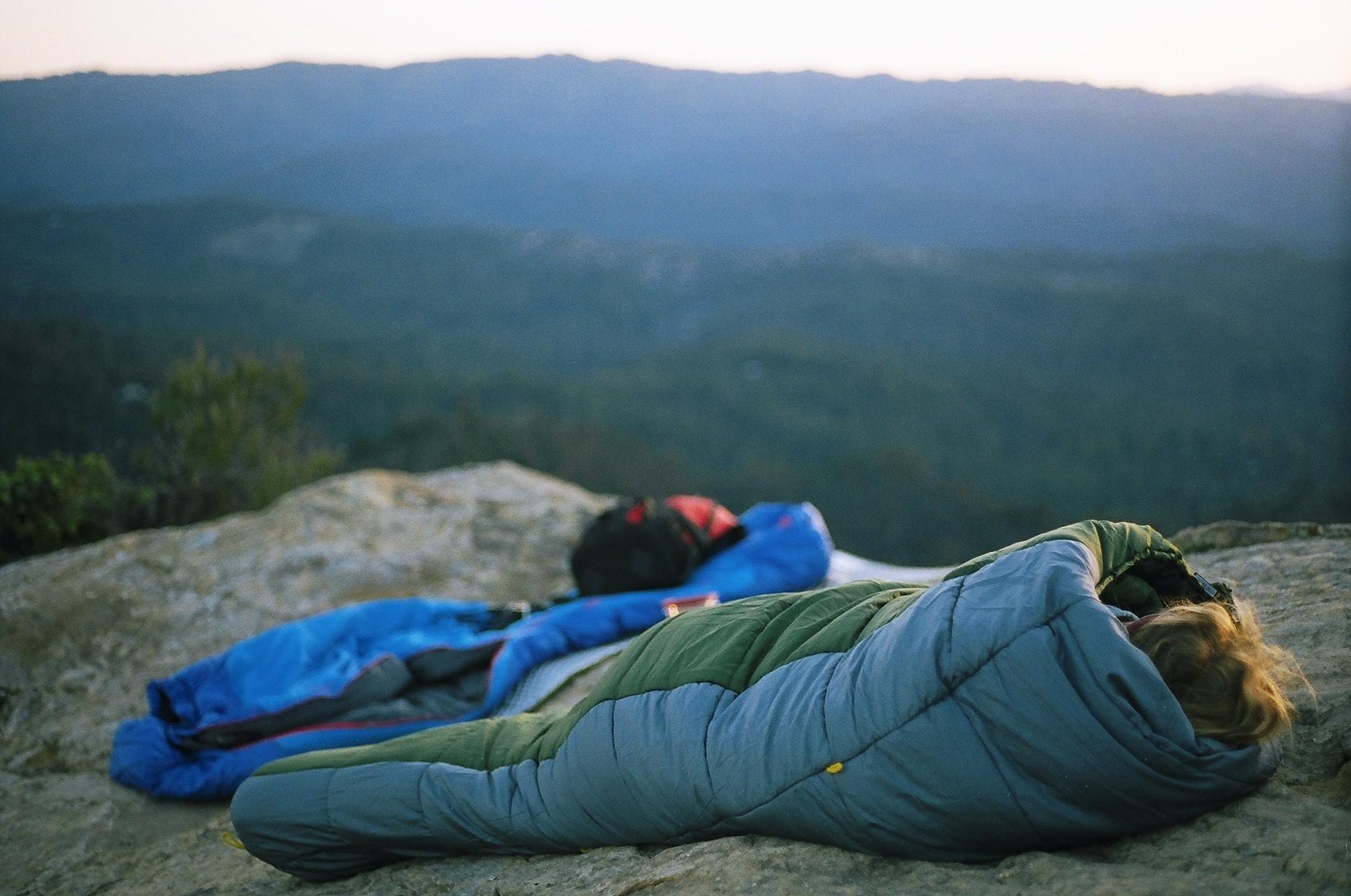 Best Backpacking Sleeping Bag Under 100 Dollars